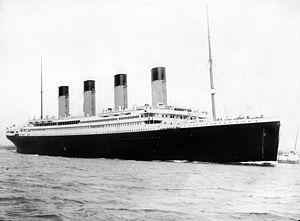 300px-RMS_Titanic_32